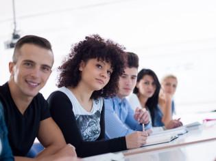 opiskelijat