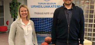 Psykologit Päivi Granholm ja Tuomas Grönman